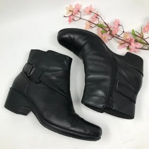 Clarks Black Leather Ankle Boots Size 10 M 41.5